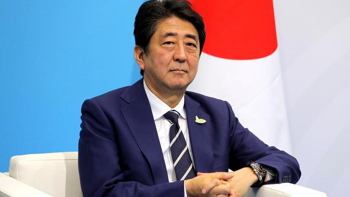 Абэ предложил Путину и Баттулге выйти на татами в Японии