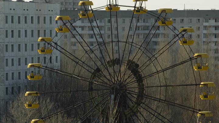 Польские экстремалы руками раскрутили колесо обозрения в вымершей Припяти