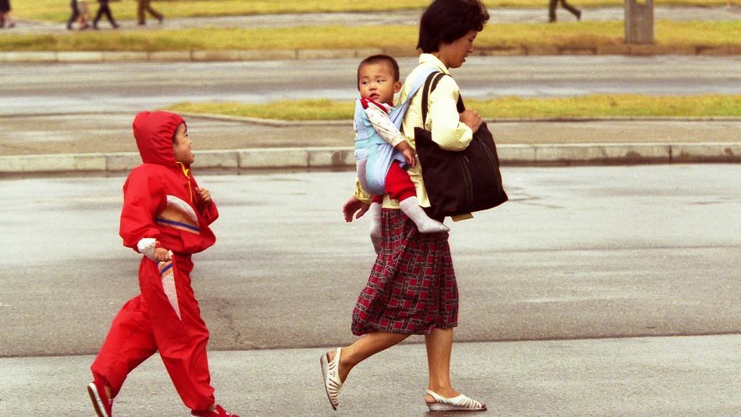 Южная Корея направит $8 млн помощи детям и беременным женщинам в КНДР