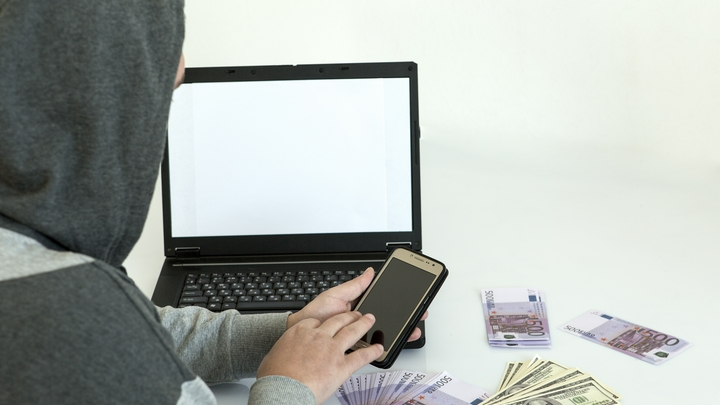 Хакеры научились скрыто использовать браузеры пользователей для майнинга криптовалют