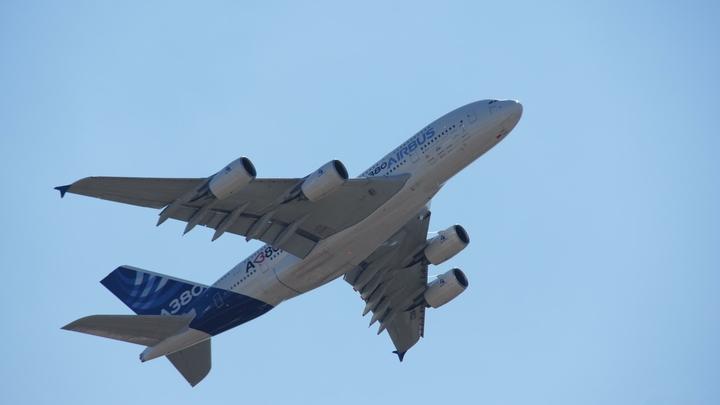 Ученые предупредили пассажиров самолетов о риске оглохнуть при взлете и посадке