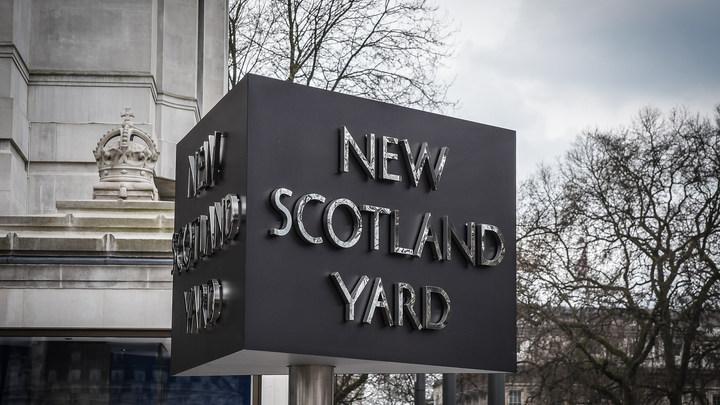 Скотланд-Ярд категорически отрицает обыск российского самолета