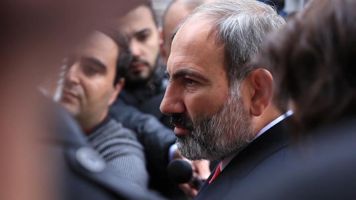 Ни в жизни, ни в политике не понимает: В Армении объяснили требования снять Пашиняна