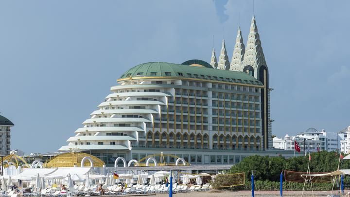 Это неудобно никому: Туристов предупредили о проблемах с отелями в Турции из-за нового закона
