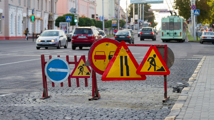 Житель посёлка под Новосибирском пожаловался на ужасное состояние дороги