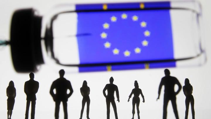 У вакцины AstraZeneca нашли ещё две побочки: Регулятор ЕС выступил с заявлением