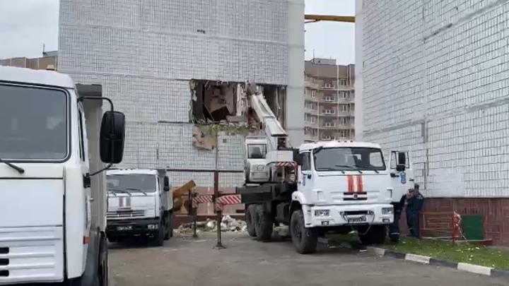 В Ногинске продолжаются рискованные работы по укреплению дома
