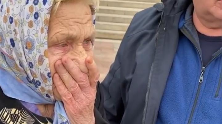 В Петербурге МФО ополчились на 83-летнего ветерана: пенсионерку выселяют уже из второй квартиры