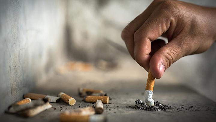 Курильщиков COVID-19 не берёт? Главная эпидемия не коронавирус