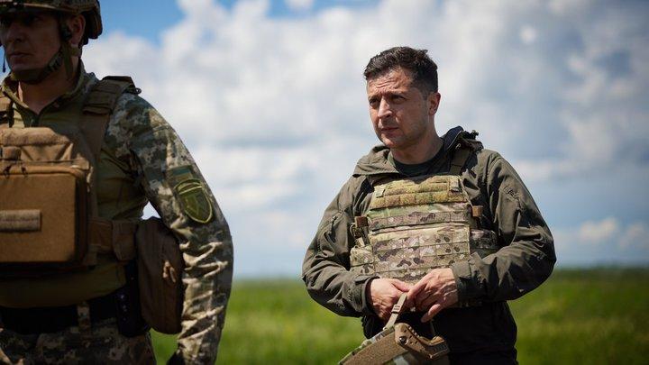 Президент Украины вернулся на передовую Донбасса: Зеленскому припомнили обещание об отставке