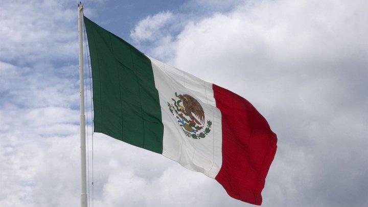За что задержали граждан России в Мексике Посольство раскрыло подробности инцидента в Канкуне