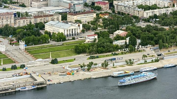 Волгоградской академии МВД пришлось объясняться за демонстративный выпускной курсантов
