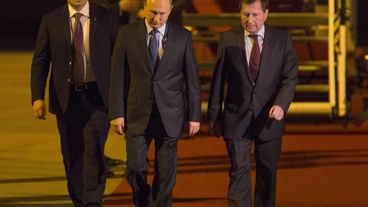 При рукопожатии Путин и Трамп объявили, что скоро увидятся
