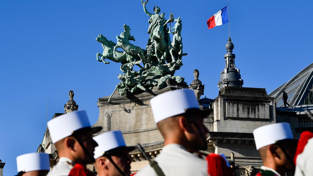 Шестеро военных были сбиты под Парижем неизвестным водителем