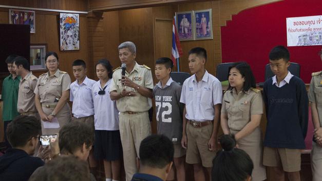 Сила духа и медитации: Как дети 10 дней выживали в пещере Таиланда