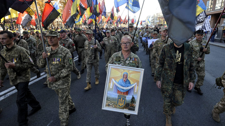 Зубами держаться буду: Обругавшегонацизм украинского резидентаComedyзатравили в Сети
