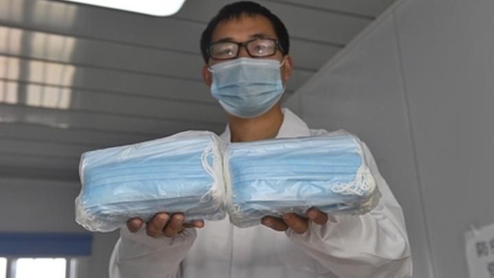 Морда в маске по самые уши: Как китайские умельцы спасают питомцев от коронавируса - фото
