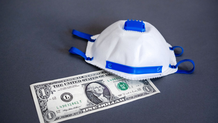 Когда рухнет доллар? Американский экономист назвал сроки краха валюты США