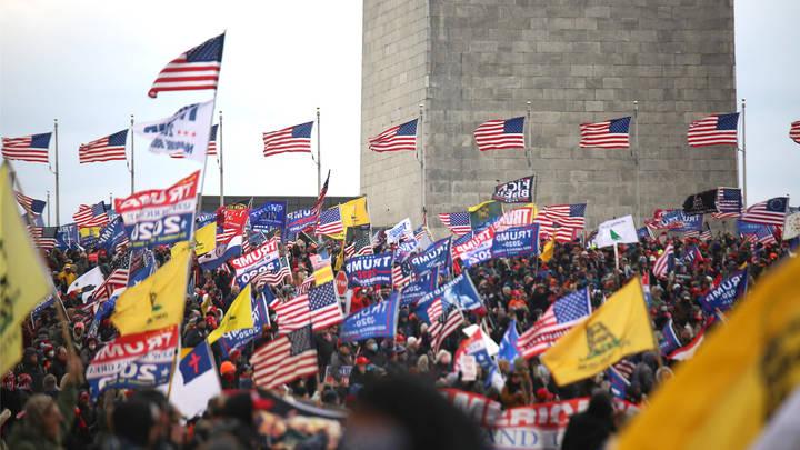 Майдан в США сами же американцы назвали позором и получили комендантский час. Прямая трансляция