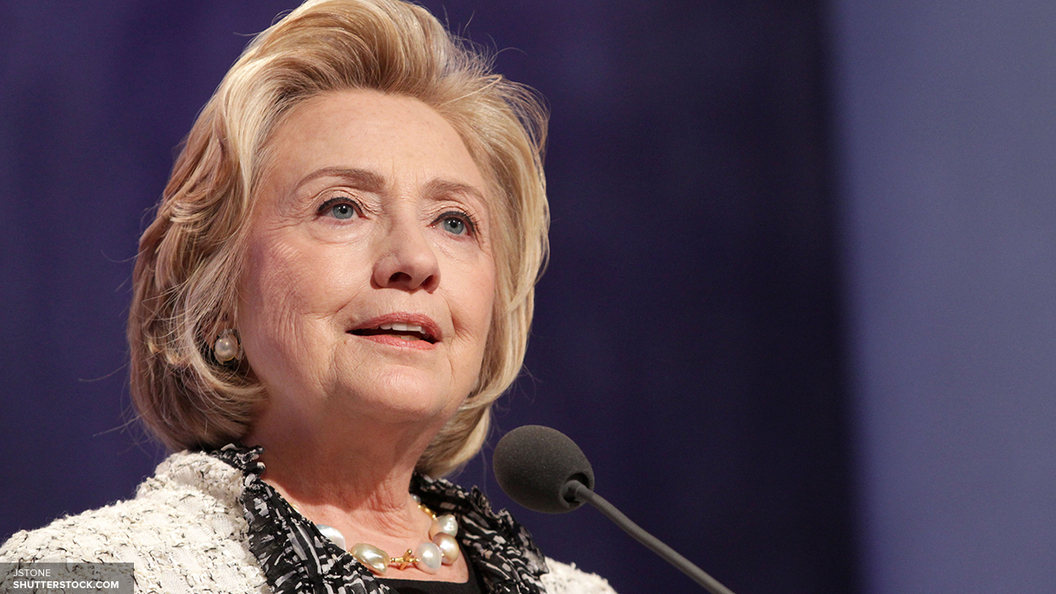 После проигрыша на выборах президента США Клинтон сделала два срочных звонка
