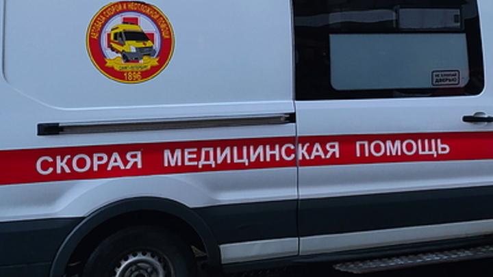 Машина всмятку, а пешеход жив: в Свердловской области УАЗ-буханка сбил человека на трассе