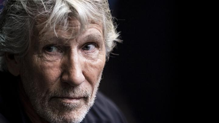 Лидер Pink Floyd сорвал аплодисменты, разоблачив со сцены «Белые каски» за «химатаку» в Сирии