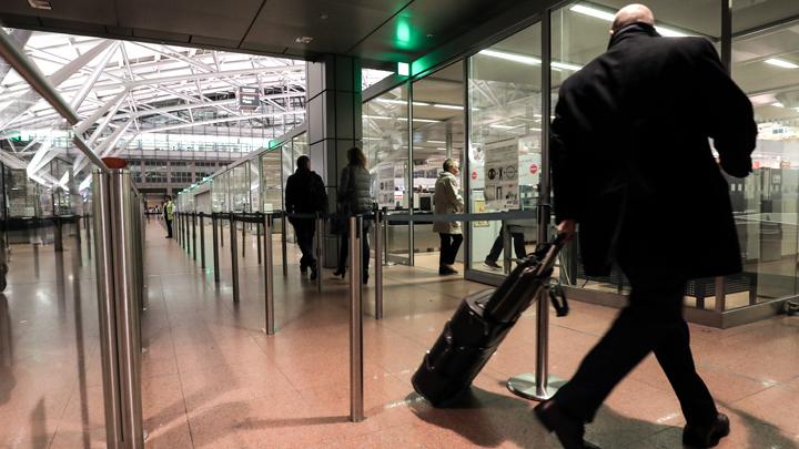 Золотые паспорта снова в моде: Почему толстосумы побежали из России?