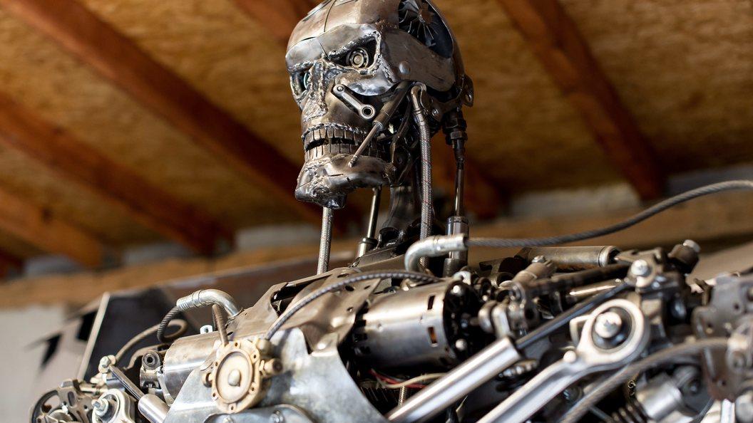 ВКунгуре напожаре сгорел робот-терминатор Джон Генри