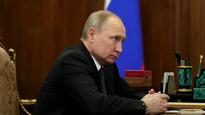 Точно пойдет на пользу: Путин назвал три универсальные книги для прочтения детям