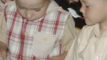 Мальчик, ты чей? - воспитатели в детском саду забыли ребенка на морозе