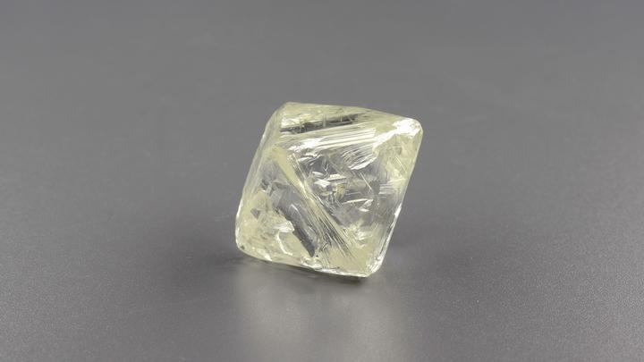 Алмазов на$4,412млрд, бриллиантов на$95,3млн: Алроса отчиталась оросте продаж