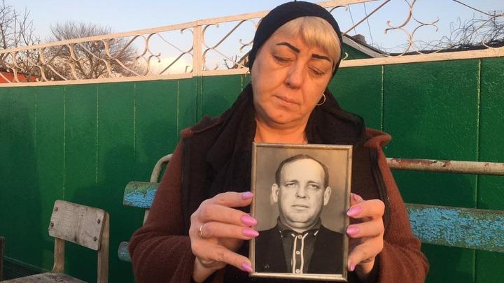 Дедушку убили дороги: Пенсионера, который умер, не дождавшись скорой помощи, хоронили на вездеходе