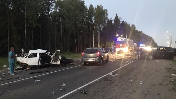 В Ивановской области в тройном ДТП разбились насмерть три человека