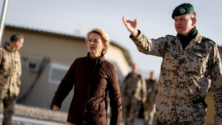 Германия ищет защиту отрусских Искандеров: Глава Минобороны ФРГ обратилась кСША запомощью