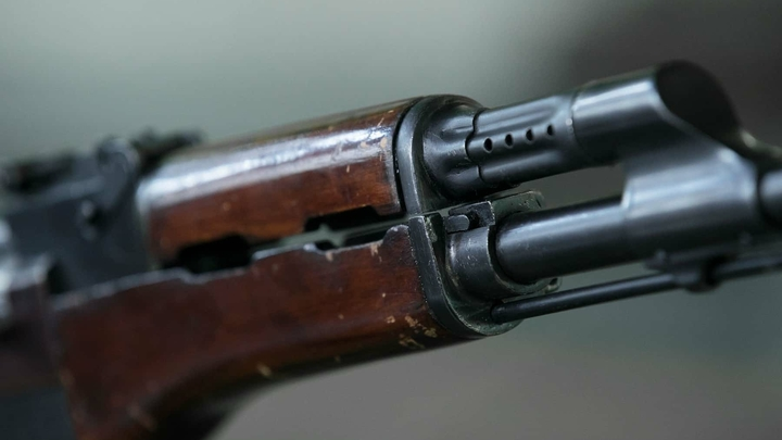 На Урале школьник опубликовал в соцсети фото оружия и пообещал устроить расправу в двух школах