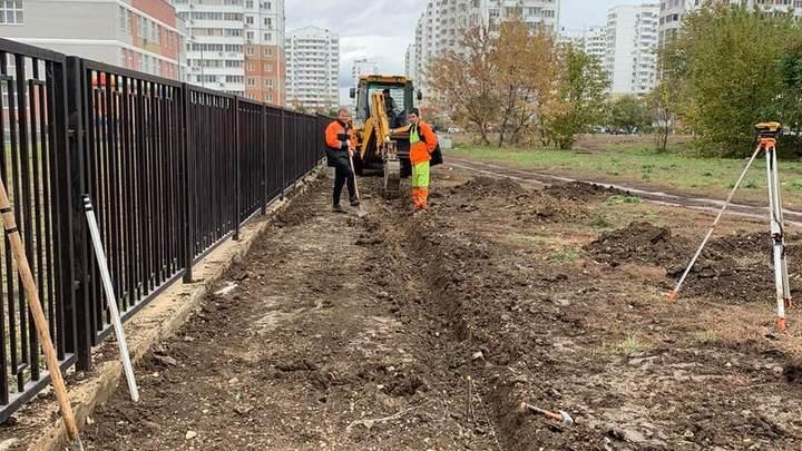 Жалобы родителей сработали: Около школы №71 в Московском микрорайоне Краснодара сделают тротуар