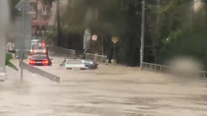 Движение на трассе Джубга-Сочи 147 в Лазаревском районе восстановлено