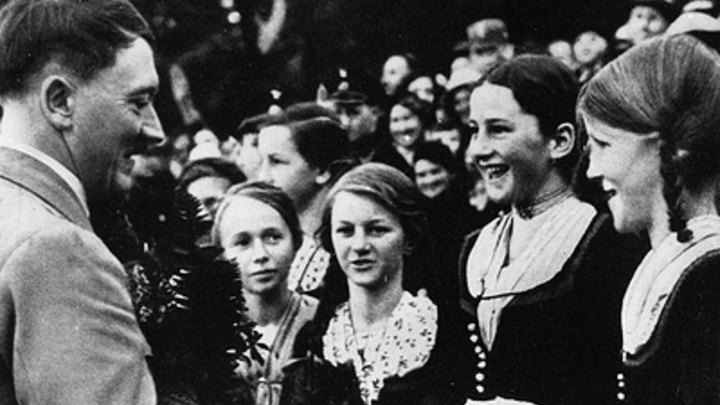 Гаспарян сорвался на нецензурную лексику, комментируя встречу Сталина и Гитлера: Нигде не увидел ни одного подтверждения