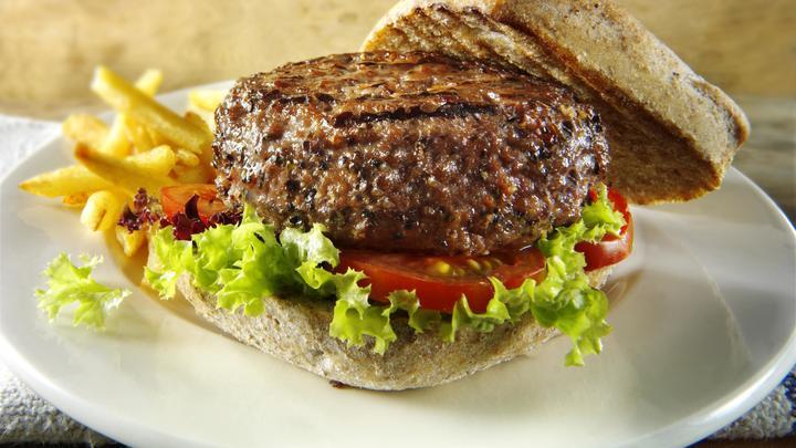 Ожирение вместо хорошего вкуса: Во Франции гамбургеры стали популярнее традиционных сэндвичей