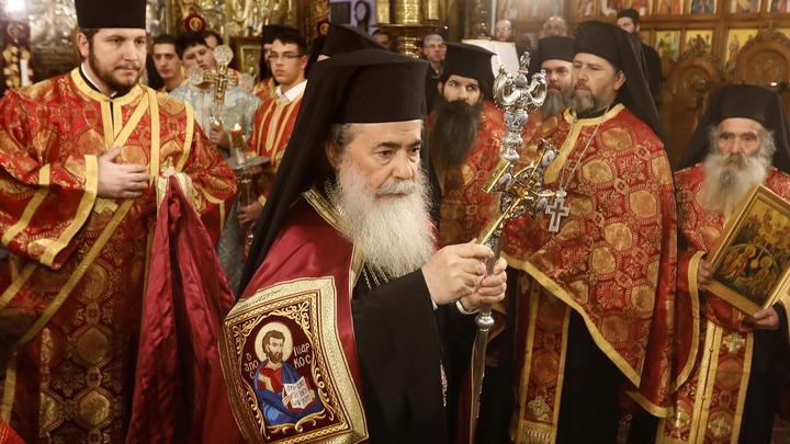 Иерусалимский Патриарх принял паломников истинной Церкви Украины - с Порошенко встречаться не стал