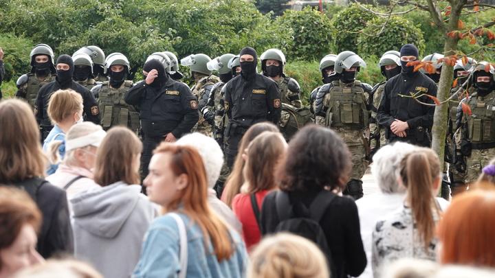 Забастовка превращается в перформанс? Коц показал странные кадры из Белоруссии
