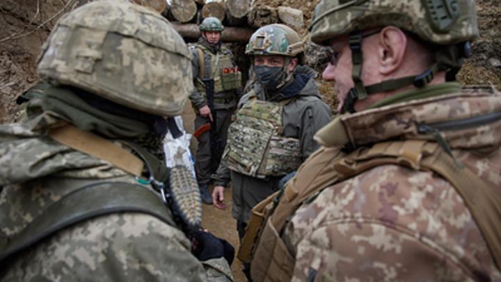Зеленского уличили в желании устроить резню в Донбассе: Извивается как может