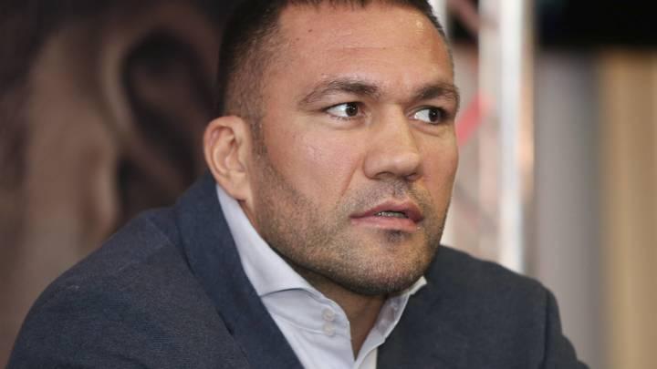 Запретный поцелуй: Боксеру из Болгарии добавили срок за сексуальные домогательства