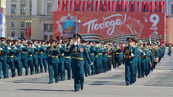 В Жигулевске к ветеранам пришли следователи с поздравлениями