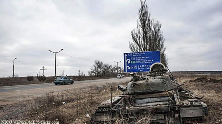 Украинские каратели продолжают обстрел мирных сел на юге ДНР