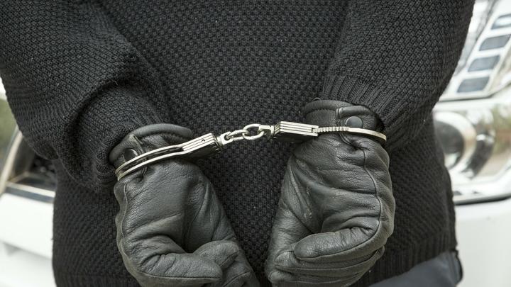 Парнишка бросился прямо под колёса и спас: Мужчина схватил школьницу и хотел изнасиловать