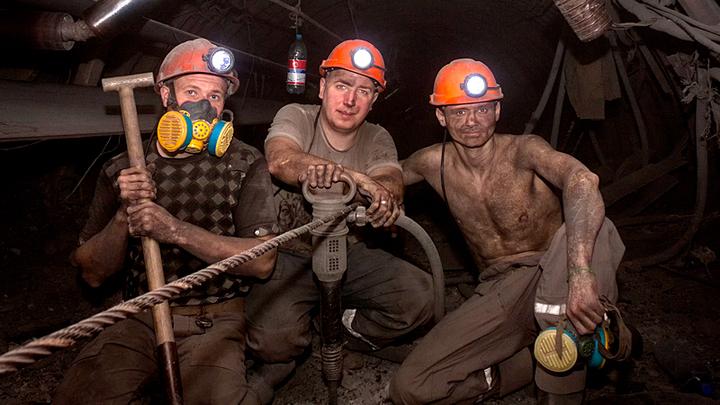 Всему виной офшоры: Рост цен на уголь обогатит олигархов, но наша экономика не получит ничего