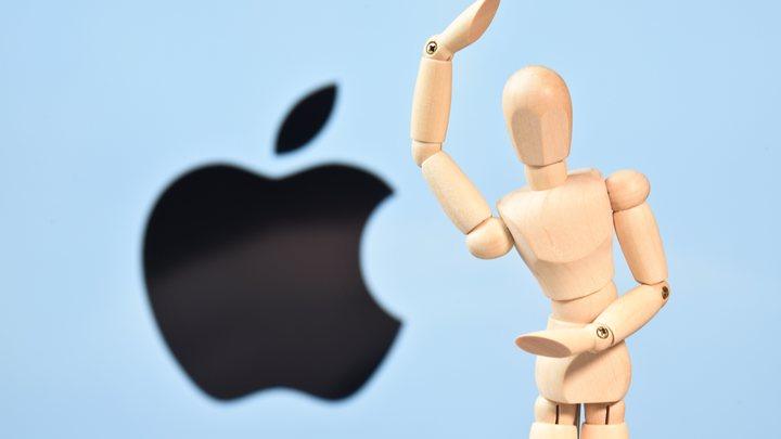 Bloomberg: Apple украла у Samsung вогнутый экран и бесконтактное управление смартфоном