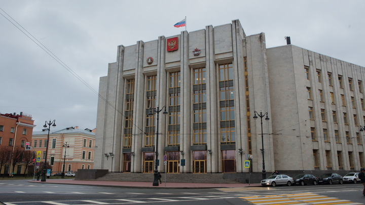 В Ленинградской области об обязательном ношении масок напомнят через громкоговорители