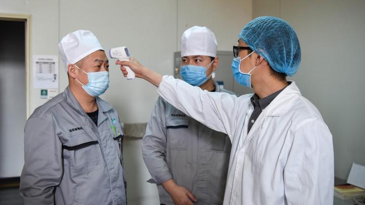 Без чёткой связи: В ВОЗ обеспокоены числом заболевших коронавирусом среди людей, не бывавших в Китае